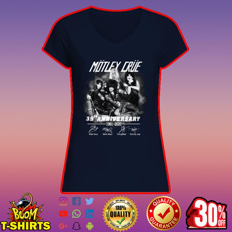 Motley Crue 39 anniversary 1981 2020 signature v-neck